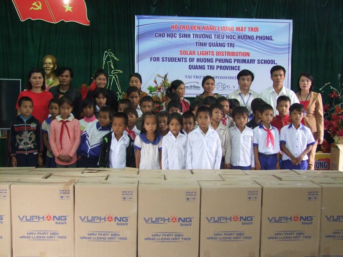 Thomas Alva Edison Foundation & Hearts For Huế 09/2016.